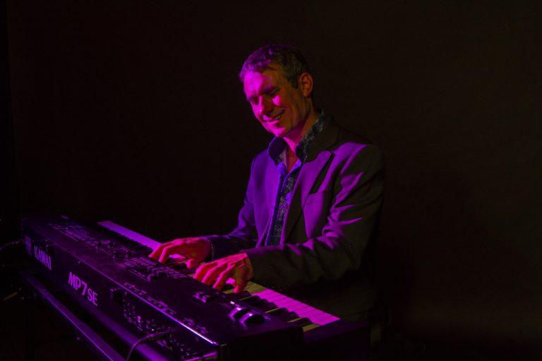 Burkhard Heßler am E-Piano